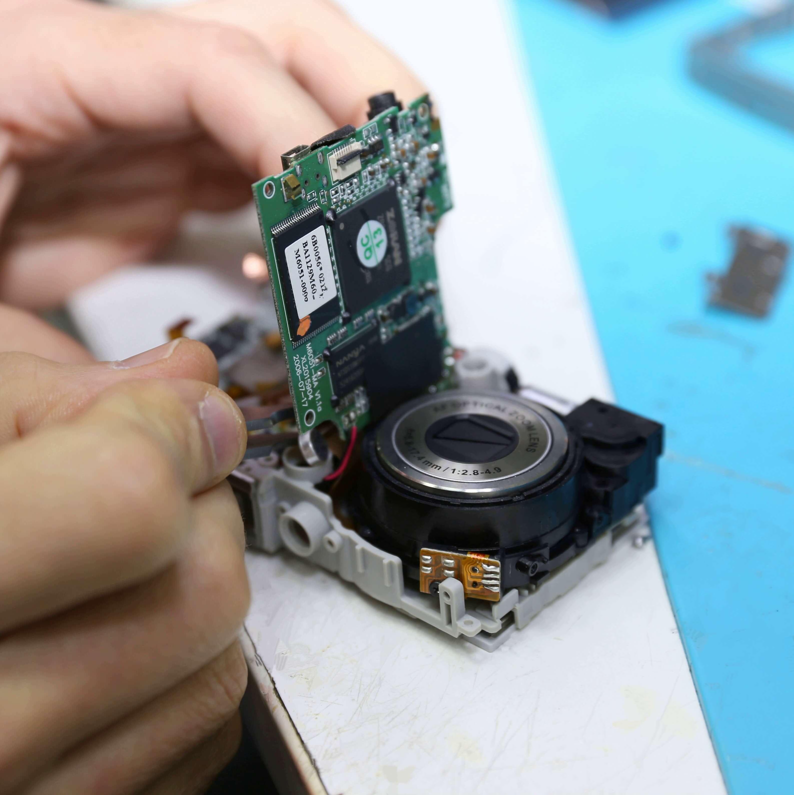 скажу что ремонт цифровых фотоаппаратов в москве делает